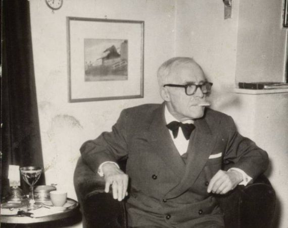 1 El escritor rumano Tudor Arghezi