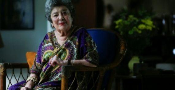 1 La poeta nicaragüense Claribel Alegría