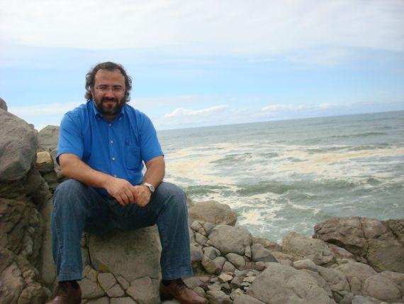 4 A. P. Alencart en Cabo Mondego (Figueira da Foz, 2011. Foto de Jacqueline Alencar)