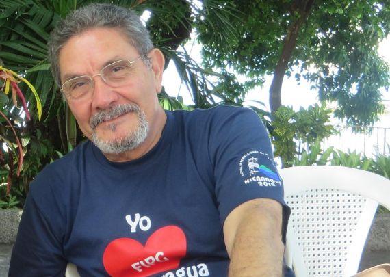 1 El poeta nicaragüense Humberto Avilés