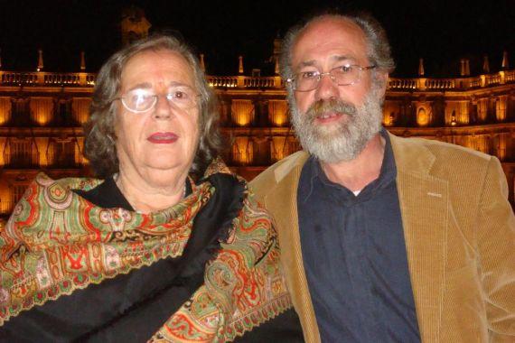 10 Helena Villar Janeiro y Xesús Rábado, en la Plaza Mayor de Salamanca (foto de Jacqueline Alencar)