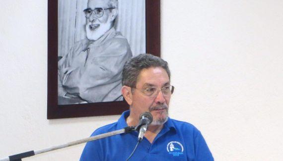 10 Lectura de Humberto Avilés en la Universidad Centroamericana (UCA)