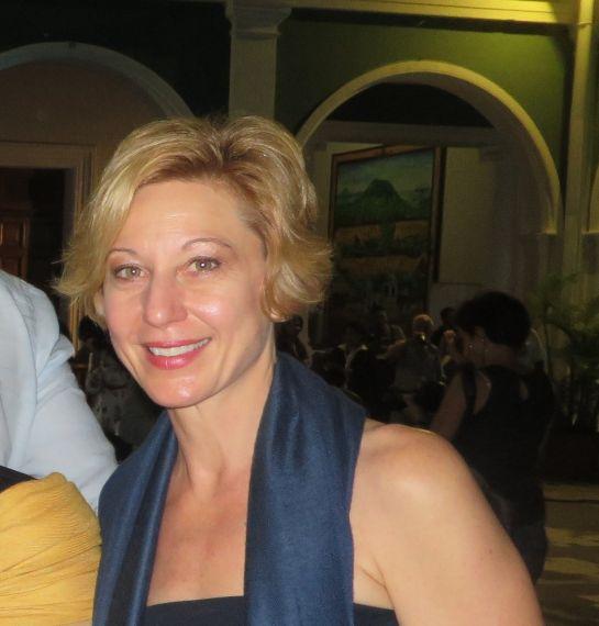 23 La traductora Stacey Alba Skar Hawkins