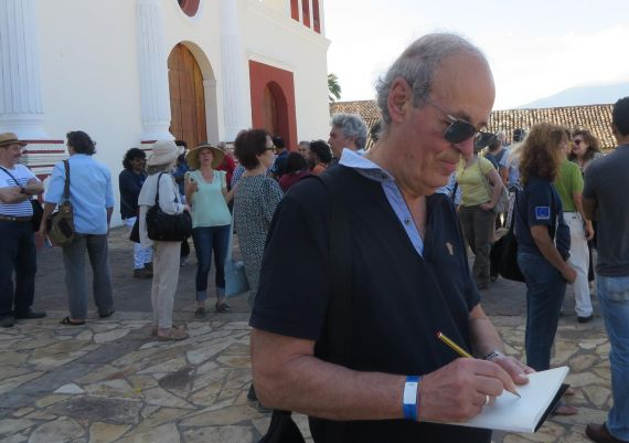 8 Emilio Coco en el atrio del antiguo convento de San Francisco, Granada