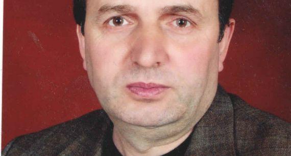 1 El poeta albanés Mujë Buçpapaj