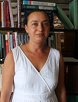 14 La profesora Elka Dimitrova