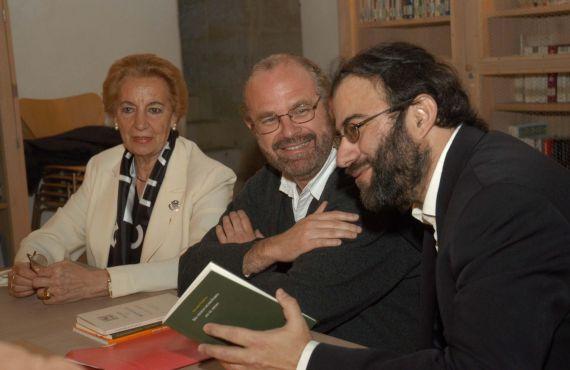 10 Pilar Fernández Labrador, Eduardo Chirinos y Alfredo Pérez Alencart (Foto de Luis Monzón, Casa de las Conchas, 2006)