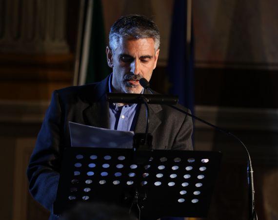 2 El poeta, profesor y traductor Gianni Darconza