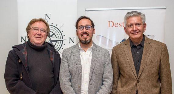 3 Los poetas Juan Cameron, Víctor Ilich y Roberto Contreras