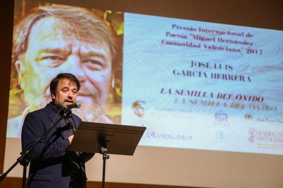6 El poeta José Luis García Herrera