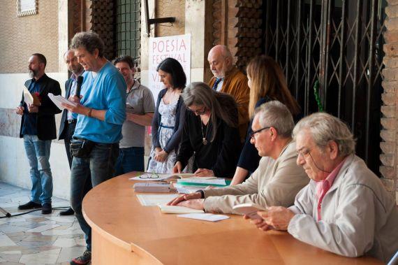 9 Beppe Costa, Stefano Iori, Antonino Caponnetto y otros poetas, en Mantua