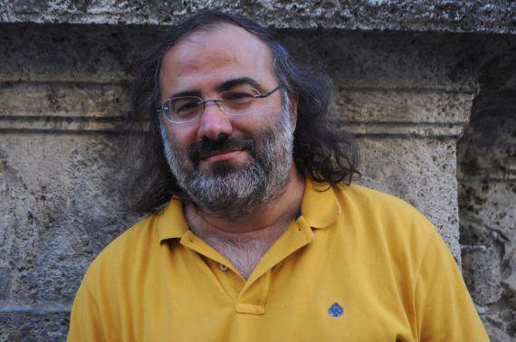 1 A. P. Alencart retratado en Mantua por Paula Castagna, fotógrafa del Festival