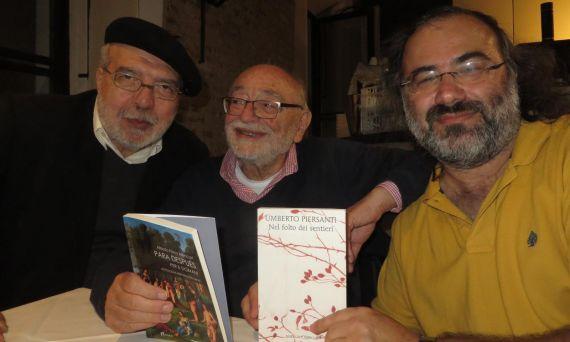 2 Los poetas Antonino Caponnetto, Umberto Piersanti y A. P. Alencart, en Mantua (foto de Jacqueline Alencar)