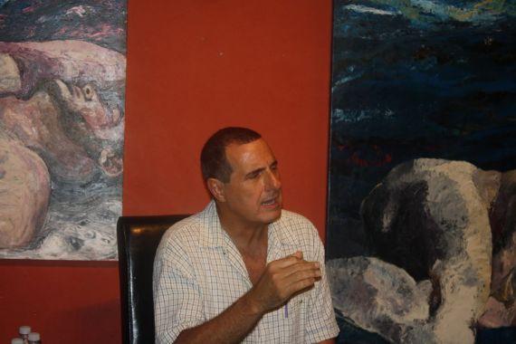 1 El poeta y ensayista cubano Jesús Barquet