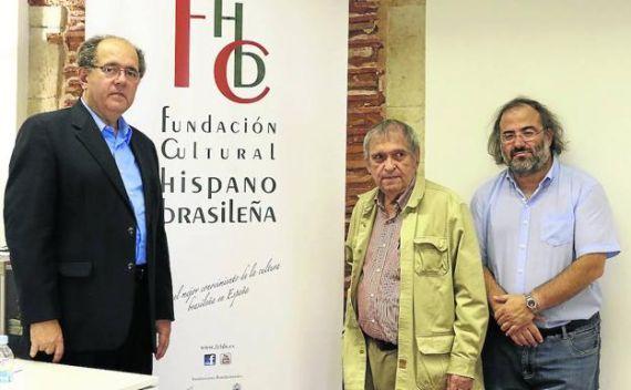 3 Antonio López Ortega, Rafael Cadenas y Alfredo Pérez Alencart, en el Centro de Estudios Brasileños de la Universidad de Salamanca