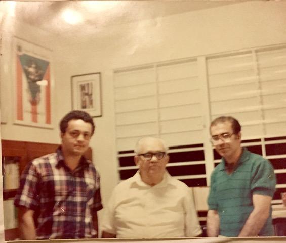 3 Los poetas Pedro López Adorno, Francisco Matos Paoli y David Cortés Cabán (Foto deIsabel Freire de Matos)
