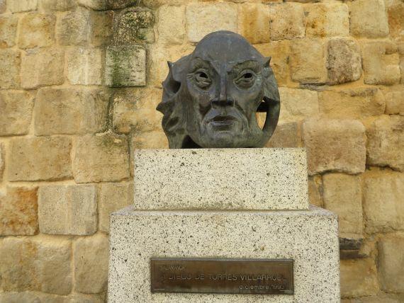 6 Monumento dedicado a Torres Villarroel. Obra de Agustín Casillas (foto de Jacqueline Alencar)