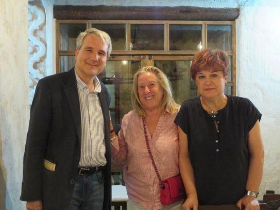 6 Daganzo, Pilar Álvares y una amiga, en Ávila (foto de jacqueline Alencar)