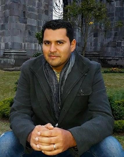 1 El poeta Juan Carlos Olivas