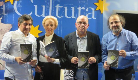 3 Pinto, Fernández Labrador, Oliveira Mateus y Alencart con el poemario