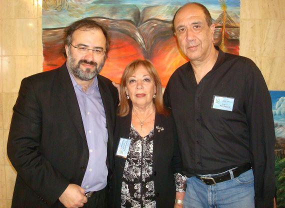 5 Ronny Someck con los poetas Margalit Matitiahu y A. P. Alencart, en Galilea (Foto de Jacqueline Alencar, 2014)