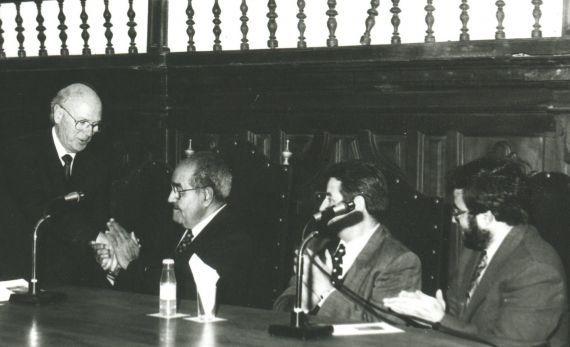 6 Alfonso Ortega, Baquero, Agustín de Vicente y Alfredo Pérez Alencart, en el Aula Magna de la Ponticia (1993)