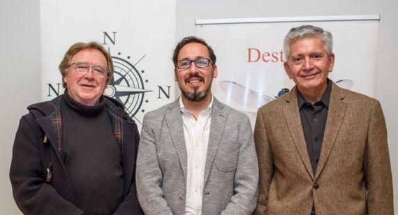 5 Los poetas Juan Cameron (vinculado con Salamanca), Víctor Ilich y Roberto Contreras