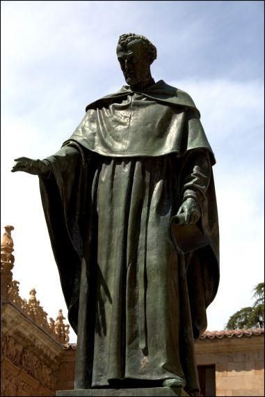 8 Estatua de Fray Luis de León (foto de José Amador Martín)