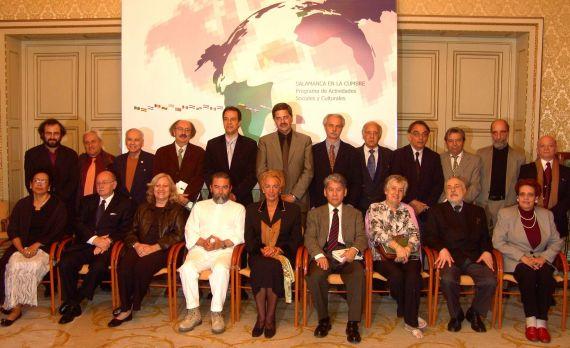 1 Poetas invitados a la Cumbre Poética Iberoamericana, en el Salón de Recepciones del Ayuntamiento de Salamanca
