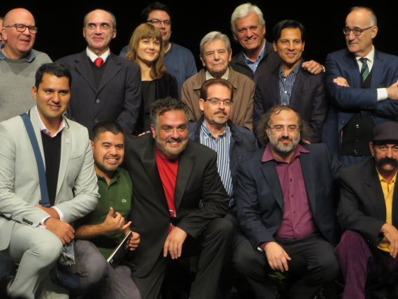 11 Oliveira Mateus con algunos de los poetas del XXI Encuentro (foto de Jacqueline Alencar)