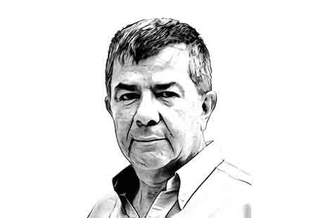 7 El escritor y columnista Alejandro García Gómez