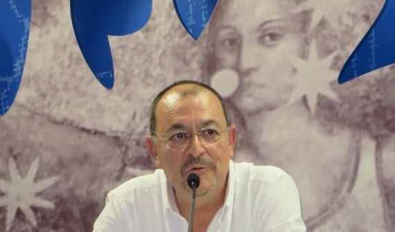 7 El poeta y crítico José Antonio Santano (foto de Jacqueline Alencar)