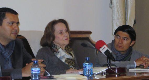 7 Juan Carlos Olivas, Renée Ferrer y Balam Rodrido, en el Aula Magna de Filología (foto de J. Alencar)