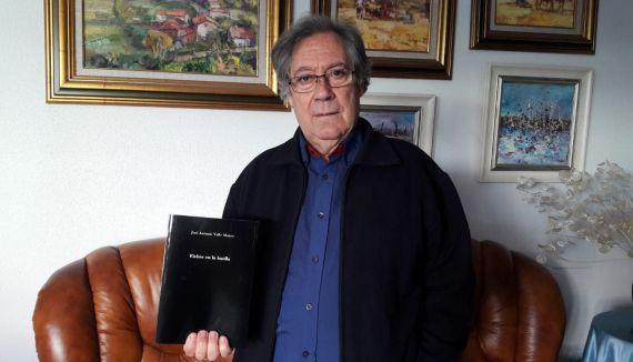 1 El poeta José Antonio Valle Alonso, con su nuevo poemario