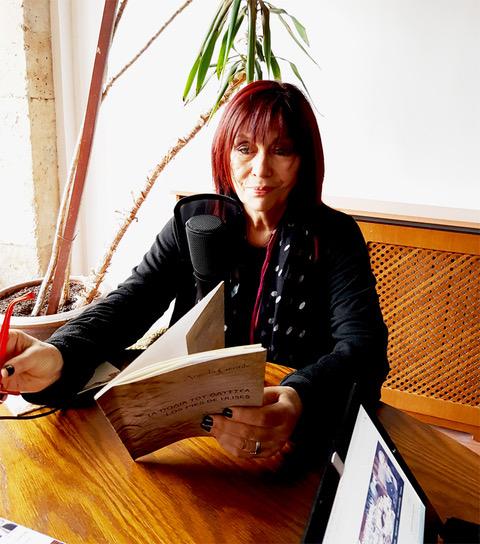 3 La poeta argentina Ángela Gentile