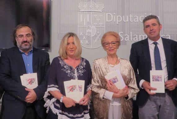 6 Alencart, Salas, Fernández Labrador y Barrera, con los libros premiados en la V edición (foto de jacqueline Alencar)