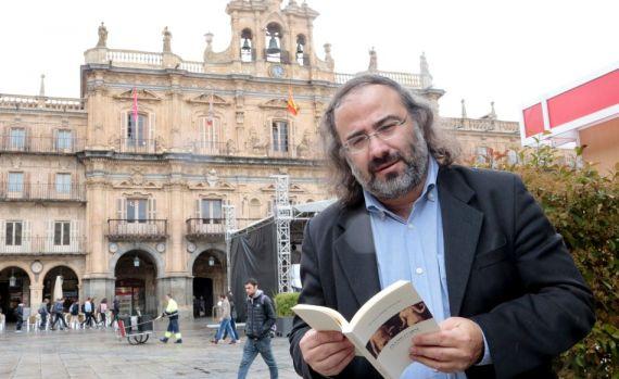 7 A. P. Alencart en la Plaza Mayor de Salamanca