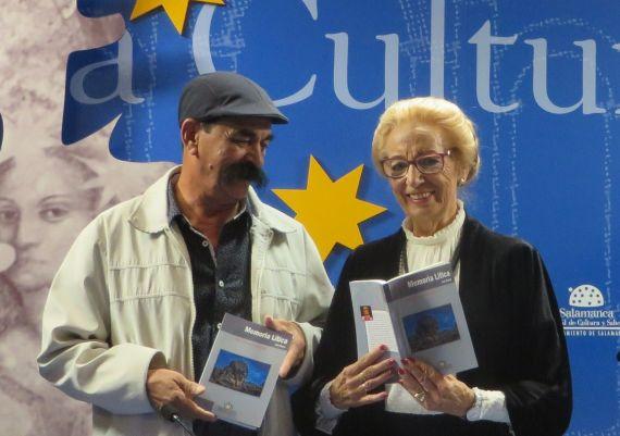 8 Juan Mares y Pilar Fernández Labrador, en la Sala de la Palabra (foto de Jacqueline Alencar)