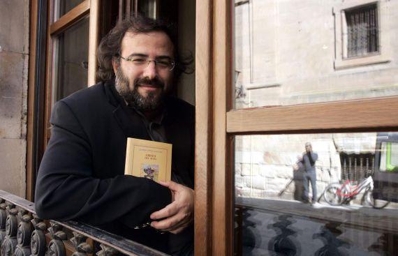 8A Alfredo Pérez Alencart con 'Cristo del Alma' (foto de Jesús Formigo, 2009)