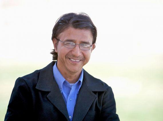 1 George Reyes