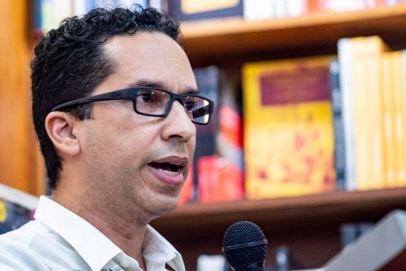1 Néstor E. Rodríguez (foto de Herminio Rodriguez)