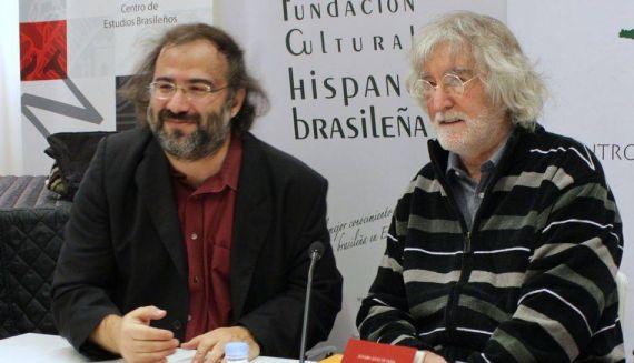 11 A. P. Alencart y Álvaro Alves de Faría en el Centro de Estudios Brasileños de la Universidad de Salamanca (Foto de Jacqueline Alencar)