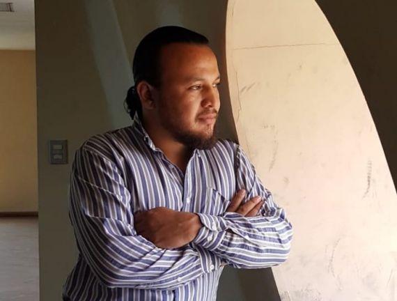 1 El poeta salvadoreño Luis Borja