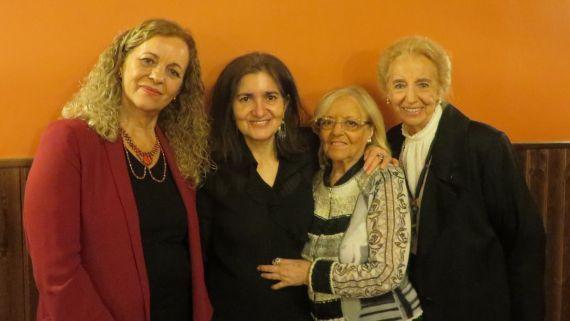 12 Cecilia Álvarez, Jacqueline Alencar, Araceli Sagüillo y Pilar Fernández Labrador, en el Colegio Fonseca de la Universidad de Salamanca