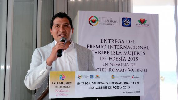 3 El poeta mexicano José Landa
