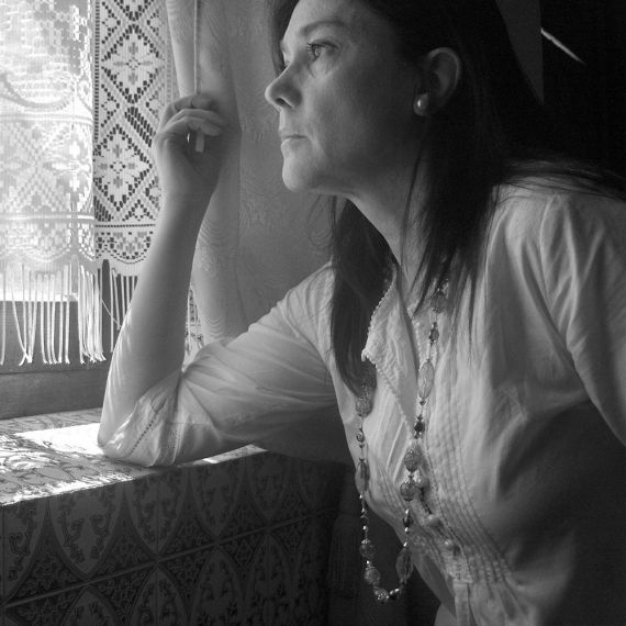 6 La poeta María Luisa Mora