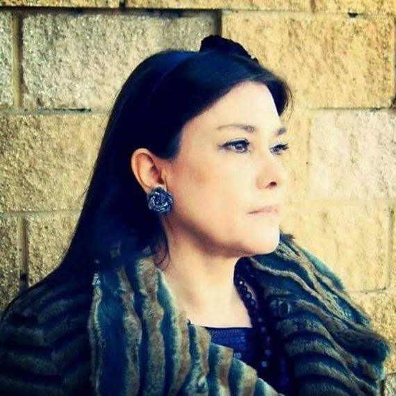 8 María Luisa Mora