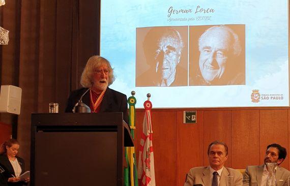 1 Álvaro Alves de Faria en un momento de su discurso