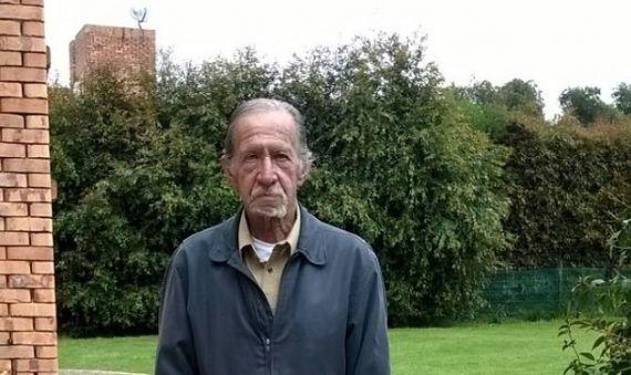 1 El poeta Jaime García Maffla en su casa de Guaymaral