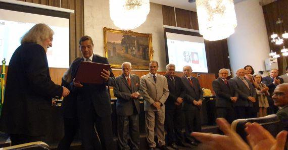 2 Entrega del Premio a Álvaro Alves de Faria